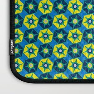 geo-estrellas-ii-laptop-sleeves-2